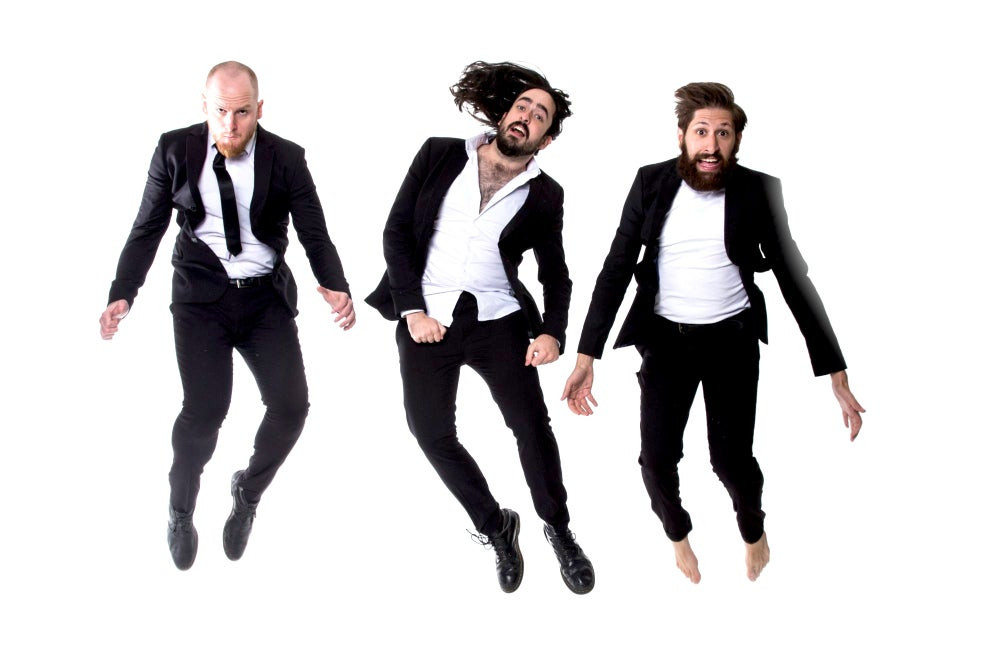 AUNTY DONNA WILL PERFORM IN YOUR HOME